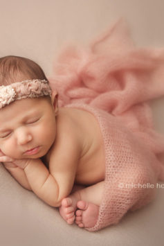 Gwinnett newborn photographer
